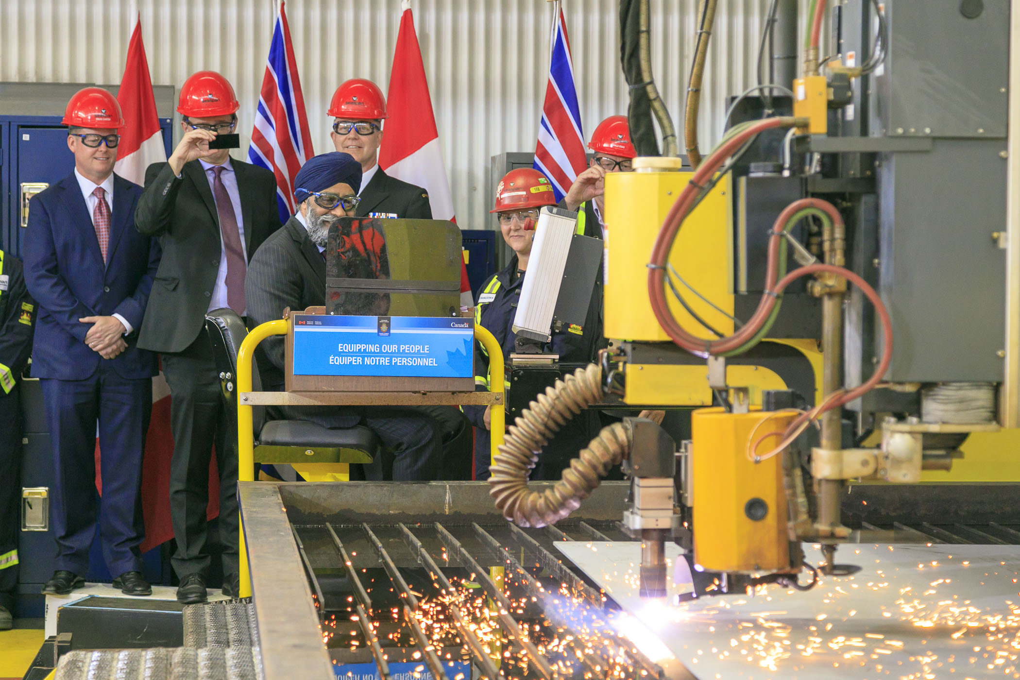 Cutting steel for the first Joint Support Ship