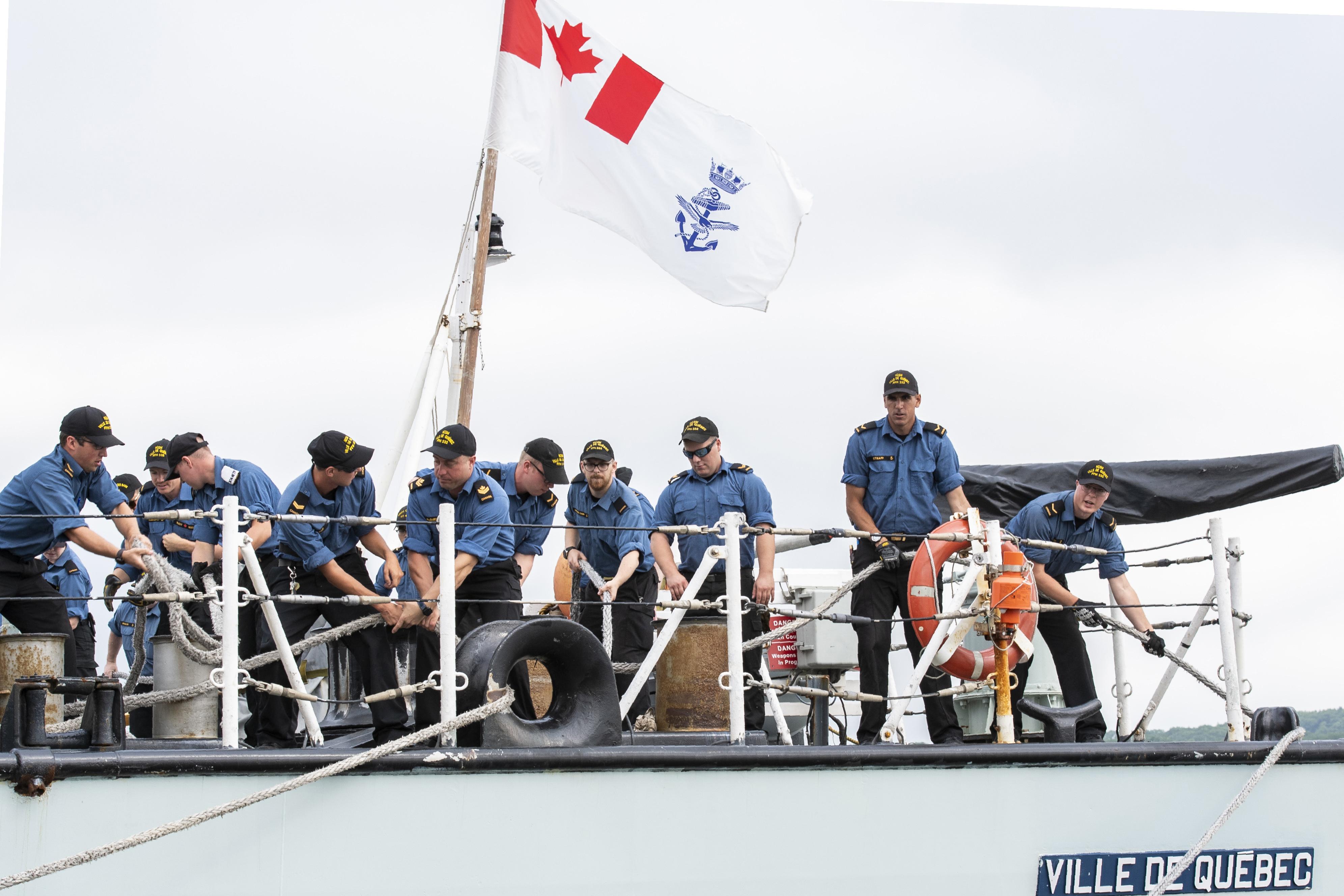 HMCS Ville de Quebéc sails to Arctic waters