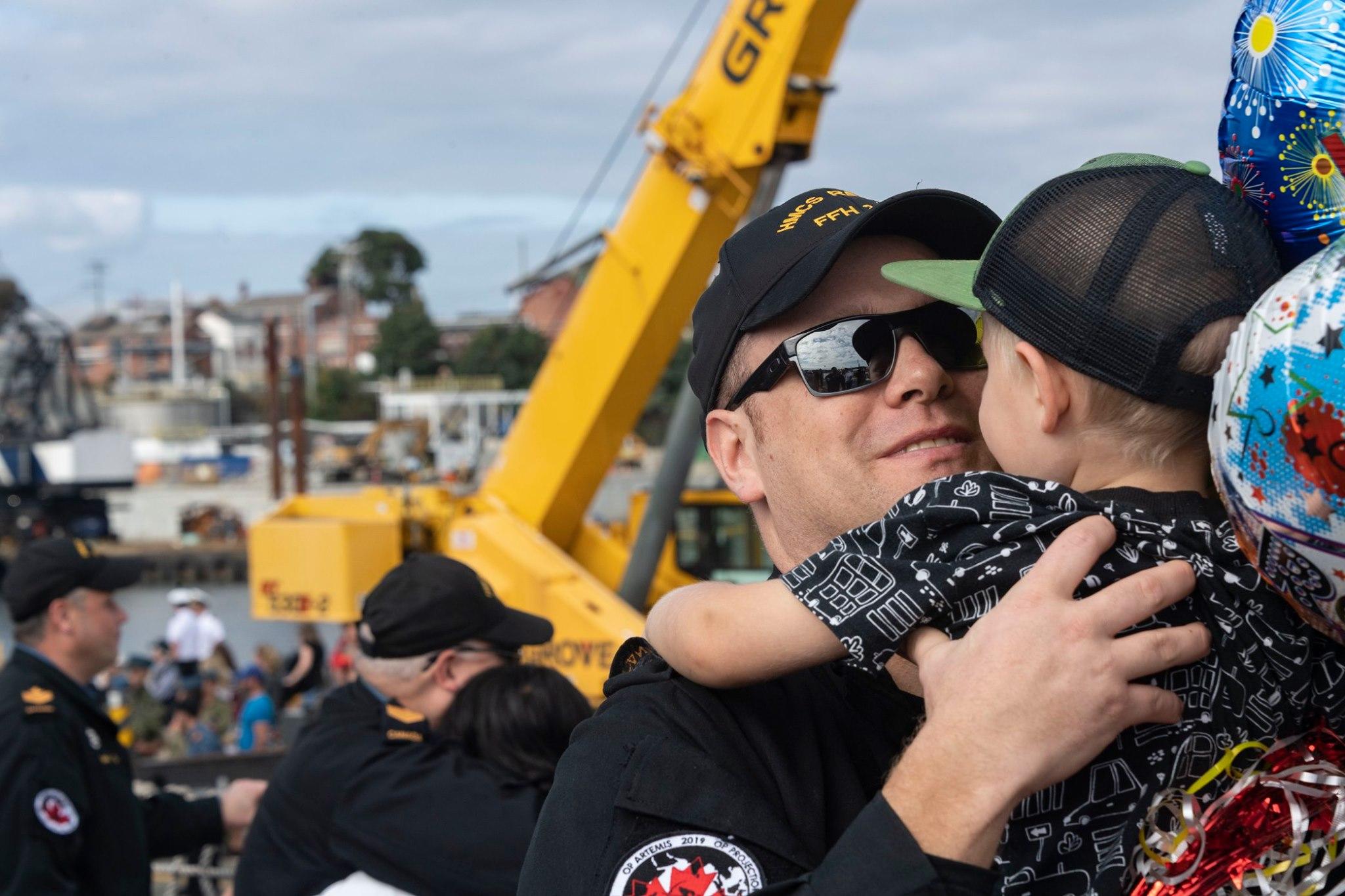 Happy homecoming for HMCS Regina