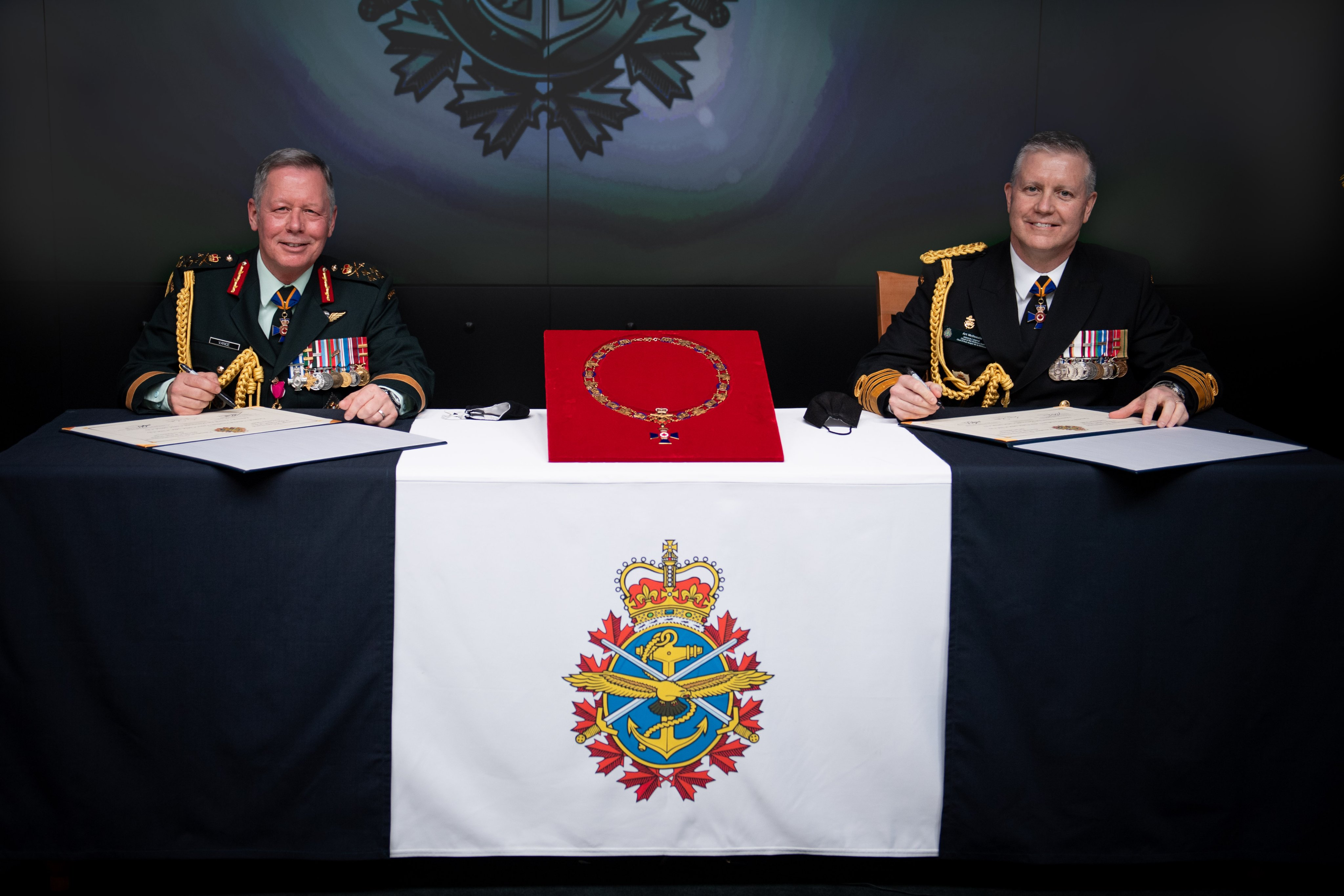 Adm Art McDonald Appointed Canada's new CDS