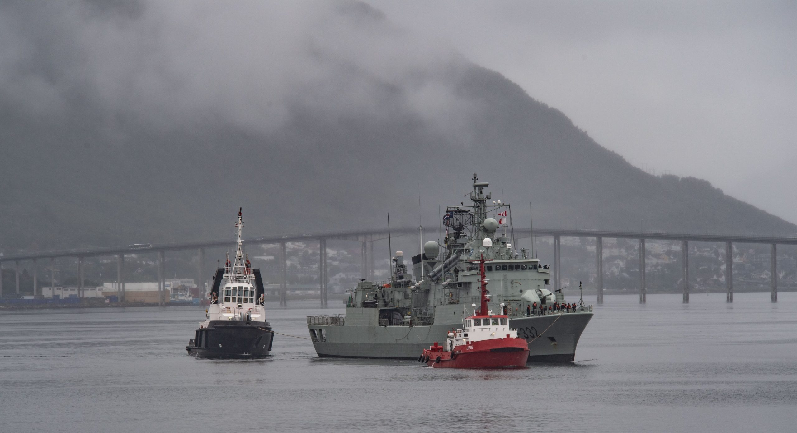 HMCS Fredericton arrives in Norway with SNMG1